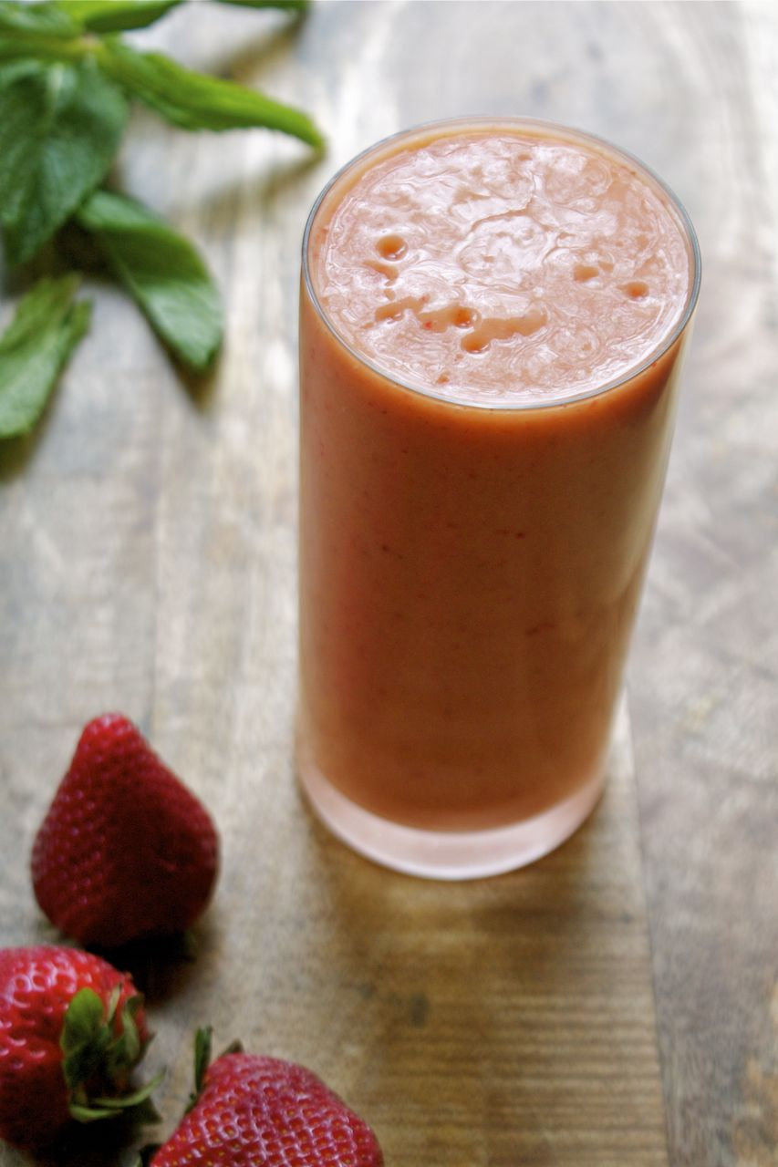 Strawberry Mango & Coconut Smoothie | In Pursuit of More