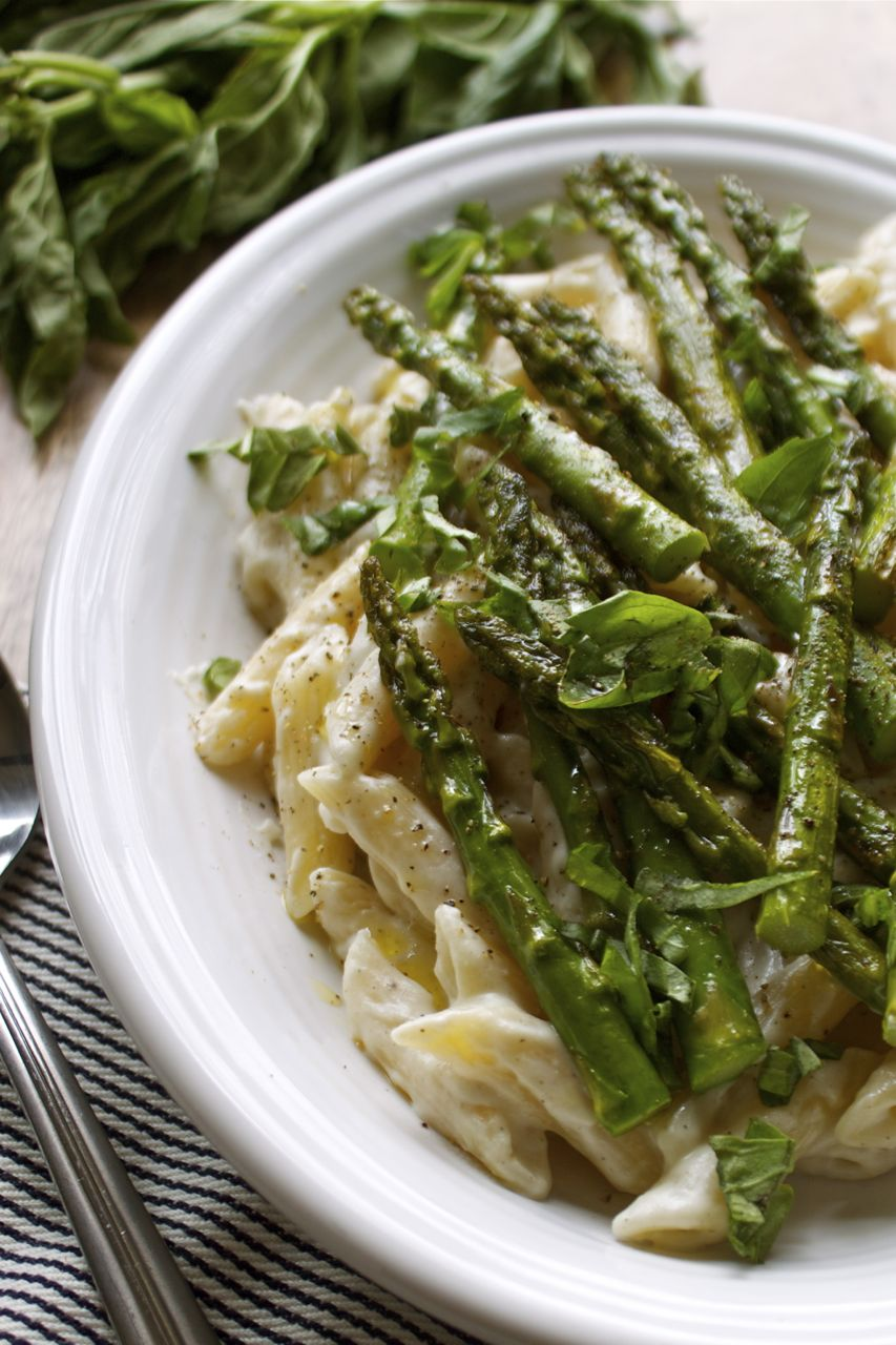 Spring Asparagus Pasta w/ Vegan Alfredo Sauce | In Pursuit of More