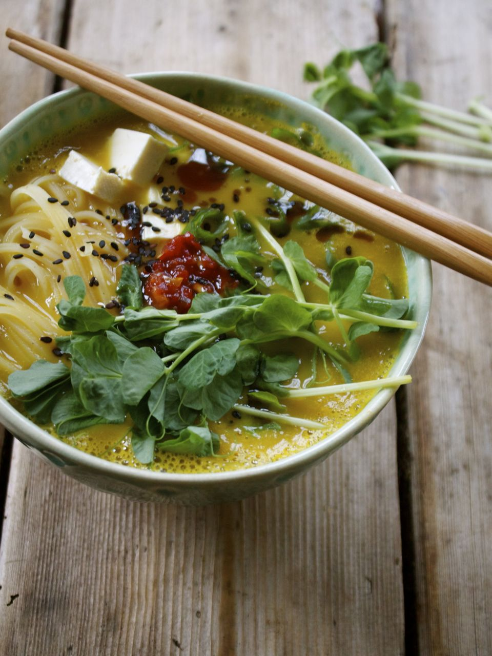 10 Minute Meal: Ramen Bowl w/ Squash Broth, Rice Noodles, Tofu & Fresh Pea Shoots