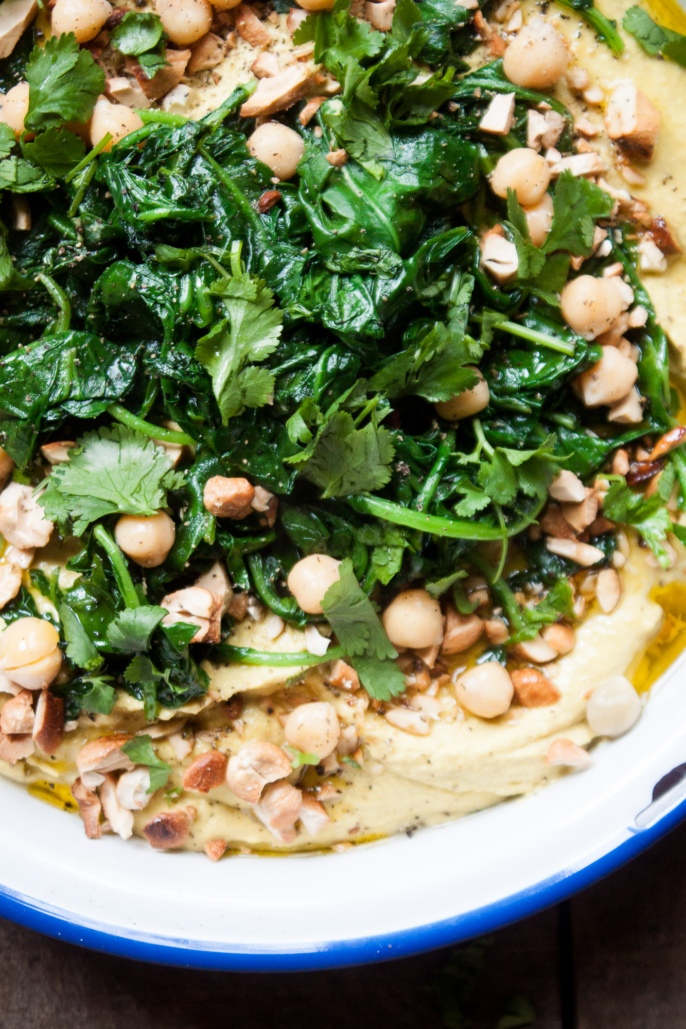 Chipotle Hummus Platter with Cashews + Greens